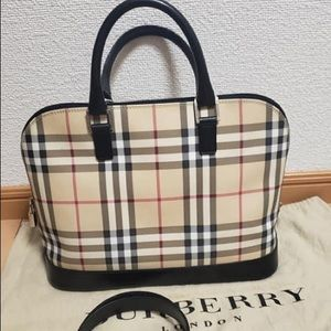 🌹SOLD🌹Authentic Burberry London